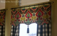 19-buffalo-check-panels-with-santa-maria-valance