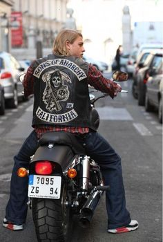 S.O.A.  Jax is soooo gorgeous!  Plus motorcycles are just hAWt! Especially Harley's.