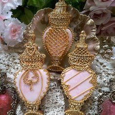 Antique keepsake collection pink perfume bottles cookie set, highly ornate gold piping, by Teri Pringle Wood Iced Cookies, Easter Cookies, Fun Cookies, Cupcake Cookies, Cupcakes, Decorated Cookies, Sugar Cookies, Pink Perfume, Perfume Bottles