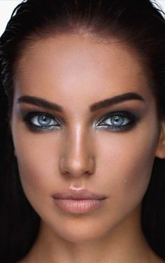 Stunning Eyes, Beautiful Lips, Gorgeous Eyes, Pretty Eyes, Cool Eyes, Most Beautiful Women, Beautiful Clothes, Portrait Photos, Portraits