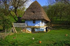 Stefan-a  Bela Small Buildings, Photo Series, Love Images, My Face Book, Traditional House, Countryside, Belem, Beautiful Places, Cottage