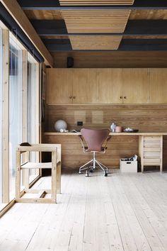 Dette hjemmet er en tidløs ode til naturen Kristiansand, Interior Decorating, Interior Design, Something New, Industrial Furniture, Rustic Wood, Interior Inspiration, Food To Make, Kitchen Design