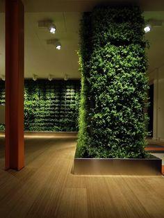 Шведская студия Greenworks создает необычные зеленые стены и элементы декора для помещений