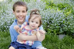 brother and sister family picture ideas. fort wayne indiana photographer