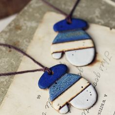 Mitten necklaces (or gift tags) made of air dry clay