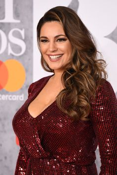Kelly Brook Photos - Kelly Brook attends The BRIT Awards 2019 held at The Arena on February 2019 in London, England. - Kelly Brook Photos - 8 of 11498 Kelly Brook Style, Kelly Brook Hot, Girl Celebrities, Beautiful Celebrities, Kelly Brook Calendar, Curvy Girl Outfits, Celebrity Wallpapers, Miami Fashion, Beauty Women