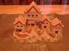 David Winter Alms House 1984 Large Winter Home Carving