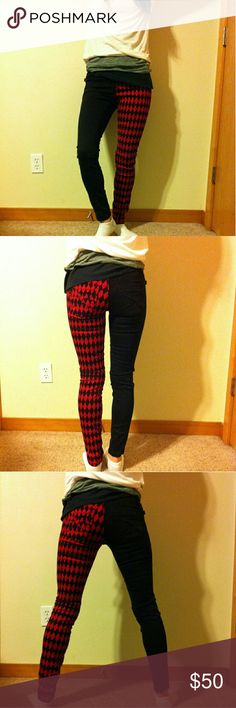 """Harley Quinn Split Black Diamond Jeans Size: 3 ♦♦Harley Quinn Jeans Skinny Jeans. Brand: Royal Bones, Daang Goodman. Size: 3. Made in China. Material: 97% Cotton, 3% Spandex. Measures Approx: 14""""waist width, 28"""" length from crotch to bottom of the pant leg. 35"""" full length from top waist to bottom of leg. width of thigh is approx; 8.5""""-9"""" before stretch. 3 pockets in front & 2 in back. Good Condition. Royal Bones Jeans Skinny"""