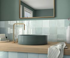 Equipe Artisan Aqua x cm - płytka ceramiczna ścienna 24458 Mosaic Bathroom, Bathroom Flooring, Small Bathroom, Gold Bathroom, Bathroom Basin, Bathroom Fixtures, Bad Inspiration, Bathroom Inspiration, Traditional Bathroom