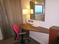 Hampton by Hilton John Lennon Airport Hotel Review