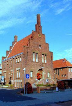Het oude gemeentehuis in Wateringen. Een stukje historie. #westland