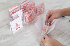 DIY Candy Pouch Favors Using Cricut Deluxe Paper - nimivo sites Candy Favors, Candy Bags, Candy Gifts, Candy Packaging, Craft Packaging, Bakery Packaging, Paper Candy, Ideias Diy, Friend Birthday Gifts