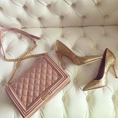 Nude blush purse | gold glitter heels