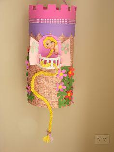 Piñata Rapunzel by decoro mi dia, via Flickr