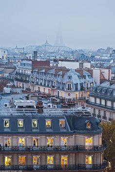 Uma linda foto de Paris.