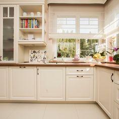 Art Mirror Az elegancia jegyében belsőépítészet, konyhabútor, rusztikus konyhabútor, elegáns konyhab | Rusztikus Kitchen Styling, Kitchen Cabinets, New Homes, Storage, Furniture, Caption, Home Decor, Art, Kitchens