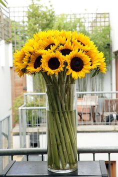 Sunflowers are one of my favorite flowers to use in arrangements, especially this time of year in late Summer/early Fall. Sunflowers are one of those blooms t