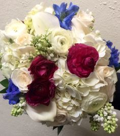 #gorgeous #weddingflowers for your #destinationwedding in #stthomas #stthomaswedding #stthomasweddingplanner #beachweddingsetup #beachweddings #flawlessweddingsandeventvi #cruiseshipweddings