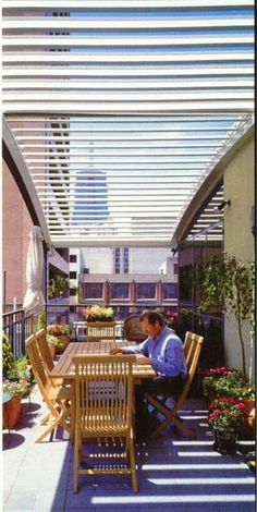 Louvered roof automatic