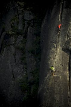 Climbing in light - Arc'teryx