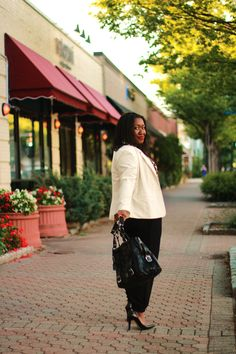 Shapely Chic Sheri - What to Wear: Transitioning into Fall - Part I #plussizefashion #plussizebloggers