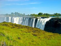 Amazing view from the edge of Victoria Falls Zimbabwe [1280x960]