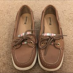 ⚡️1 day sale⚡️ Sperry top sider boat shoes Sorry top sider boat shoes with, Blue pink and gray stripes. Size 6 worn once for a couple of hours, almost new condition. NO TRADES Sperry Top-Sider Shoes Flats & Loafers