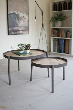 458 Set 2 Round Iron Nesting Coffee Tables With Wooden Tops