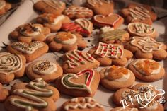 Gingerbread cookies made to be hanged on a Christmas tree
