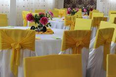 Decoratiuni sala galben Bicycle Wedding, Table Decorations, Inspiration, Furniture, Home Decor, Biblical Inspiration, Decoration Home, Room Decor, Home Furnishings