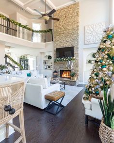 A Christmas home tour filled with greenery, garland, and a black, gold and green color scheme. See themed trees, bedroom decorations and more! Christmas Living Rooms, Christmas Home, Christmas Trees, Christmas Design, Xmas, Elegant Living Room, My Living Room, Malbaie, Beach House Decor