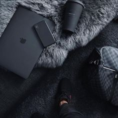 Black Apple laptop / black sturbucks – My Pin Page Black Apple, Black Love, Back To Black, Black Is Beautiful, Black And Gray, Color Black, Free Black, Beautiful Pictures, Style Noir