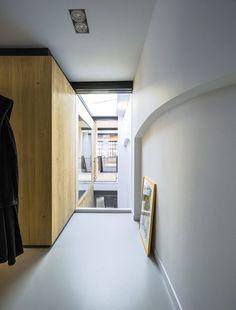 Image 6 of 20 from gallery of Loft Sixty-Four / EVA architecten. Photograph by Sebastian van Damme Cabinet D Architecture, Interior Architecture, Loft Interior, Interior Design, New York Loft, Modernisme, Minimal Home, Loft Design, House Design