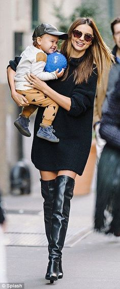 Sweater dress and over the knee boots are a MUST to be a cool mom like Miranda Kerr