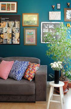 Turquesa + sofa cinza