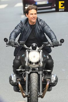 "Tom Cruise on Motorcycle at the shoot of ""Mission Impossible in Paris, France Bicycle Wallpaper, Motorcycle Wallpaper, Tom Cruise, Bmw Nine T Scrambler, Hd Fatboy, Estilo Cafe Racer, Mission Impossible 6, Bmw Boxer, Shia Labeouf"