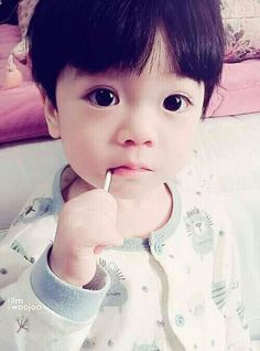 ImageFind images and videos about cute, korean and kawaii on We Heart It - the app to get lost in what you love. Cute Asian Babies, Korean Babies, Asian Kids, Asian Cute, Cute Korean, Cute Babies, So Cute Baby, Cute Kids, Baby Boy
