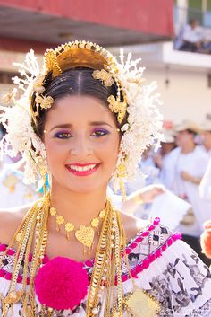 Pollera - traditional dress