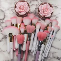 IG: makeupbyhanoody - ♡make-up brush♡ - Make Up Kits, Contour Makeup, Makeup Brush Set, Eyebrow Makeup, Makeup Hacks, Makeup Tools, Makeup Supplies, Makeup Items, Beauty Make-up