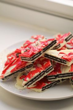 Cookies and Cream OREO Christmas Bark
