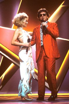 """Tanya Tucker and T. Graham Brown perform together at """"The 24th Annual CMA Awards"""" (10/5/1990)."""