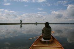 mit Frauke auf dem Neuwarper See, Blick auf den Riether Werder. Auf jener Insel jagen oft Seeadler, wir sahen an dem Tag auch etliche.