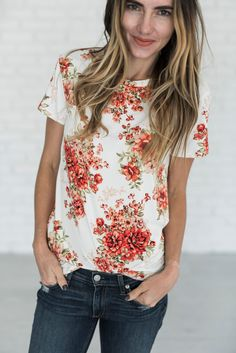 Florals for Fall.. this tee is everything your floral loving heart needs. It's buttery soft and total cute. Prepare for the compliments! Also available in Black! 95% Rayon, 5% Spandex See Sierra's siz