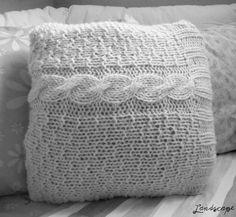 My Own Landscape Dreams: Dicas para transformar um colete de tricô em capa para almofada