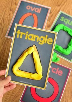 Are your kids learning shapes, colors and counting? Simple fun and easy learning activity for toddlers and preschoolers. Perfect indoor activity to try! Preschool Learning Activities, Preschool Lessons, Preschool Classroom, Preschool Crafts, Toddler Activities, Kids Learning, Homeschool Kindergarten, Learning Shapes, Preschool Printables