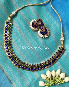 Check out the classic south indian kemp jewellery collections from this brand and get ready to shop. Antique Jewelry, Silver Jewelry, Pearl Jewelry, Jhumka Designs, Jewellery Shop Design, Terracotta Jewellery, Jewelry Patterns, Initial Necklace, Necklace Designs
