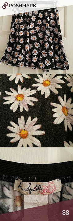 Daisy Skirt Simple daisy skater skirt, pre loved condition Skirts Circle & Skater