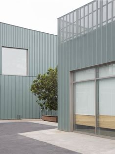 Fairfax Garage Conversion // Part Office — - archaic Metal Cladding, Metal Facade, Metal Buildings, Building Skin, Building Facade, Facade Design, House Design, Architectural Materials, Villa Plan