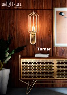 With 5 oval arcs made in brass, this vintage wall light was inspired by Tina Turner's electrifying dance moves. ⎪DelightFULL.eu #delightfull #midcentury #TinaTurner #007