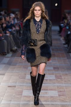 Sonia Rykiel Fall 2016  When the lines between outerwear and regular clothes become blurred.